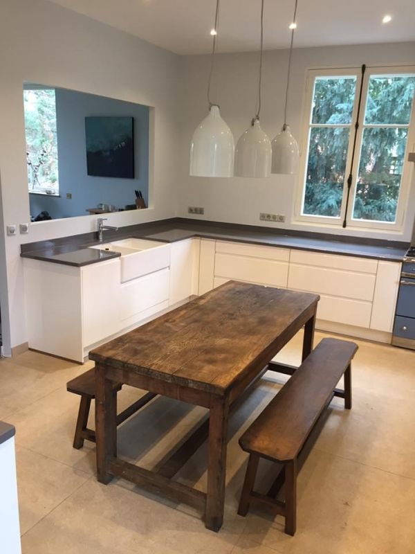 cuisine en pierre de lave maill e couleur volvic au. Black Bedroom Furniture Sets. Home Design Ideas