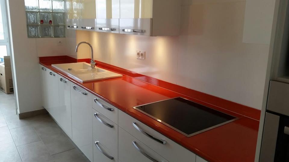 Cuisine en pierre de lave maill e couleur potimarron toulon dans le var - Plan de travail en pierre de lave ...