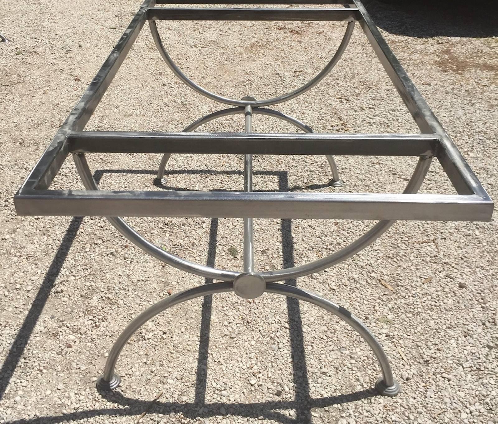 Ferronnier Dans Le Var piétement fer forgé de type forme tonneau pour table en lave